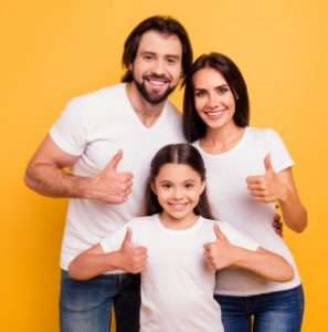 Thumbs up family – 3 Mistakes to Avoid when Choosing an AC Company (Part 2 of 3) - Fort Myers - Sunset Air & Home Services